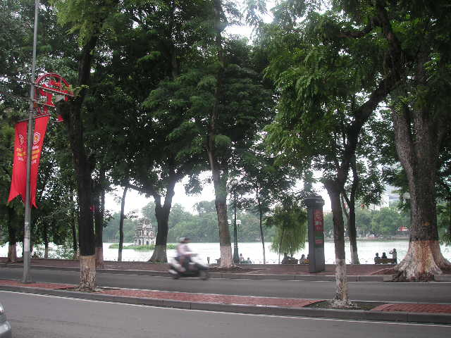 Hanoi_ホアンキエム湖畔.JPG