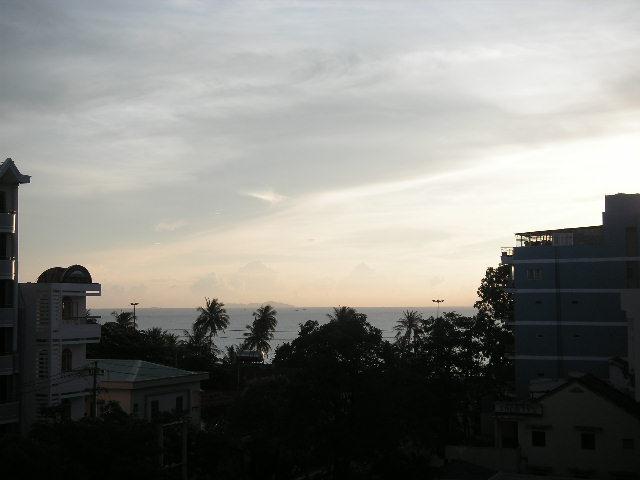 NhaTrang夜明け.JPG